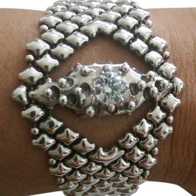 Mesh Bracelet with Topaz Stone